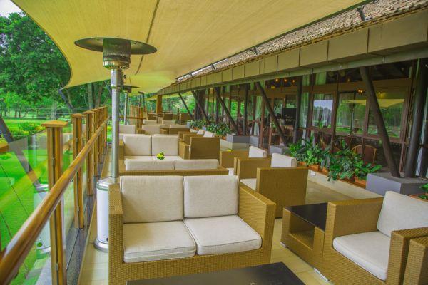 fairway-lounge-25F7CEFE3-CAFB-19A9-DE95-B5ED5694FCC9.jpg